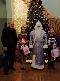 «Суворово» вручило подарки отличникам!